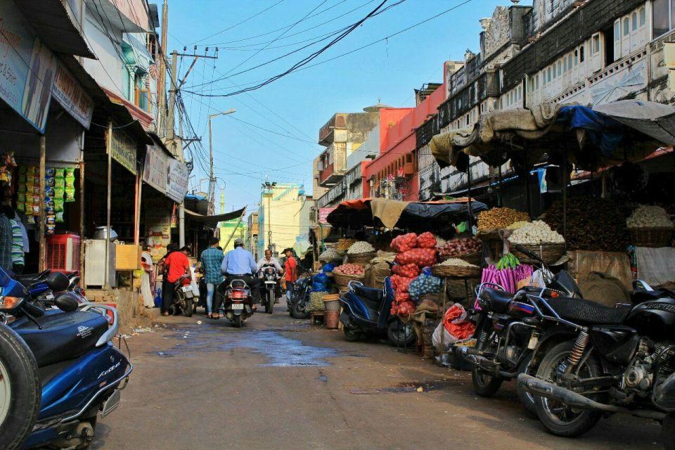36 Hyderabad - Laad Bazar - Pathhargatti - Markets - Karnataka - India - Azure Sky Follows - Tania