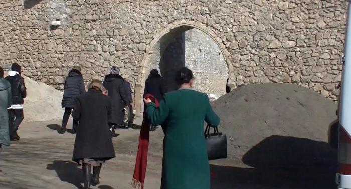 Sülhməramlılar 80 ermənini Amarasa apardı