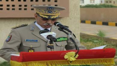 صورة الفريق مسقارو ولد سيدي يلقي خطابا في عيد الشرطة الوطنية