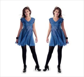Vestido azul con brillos y calzas