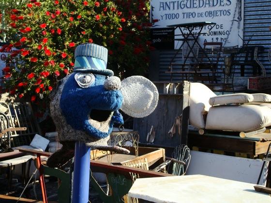 ¿Pitufo? dentro del Mercado de Pulgas de Palermo. Foto