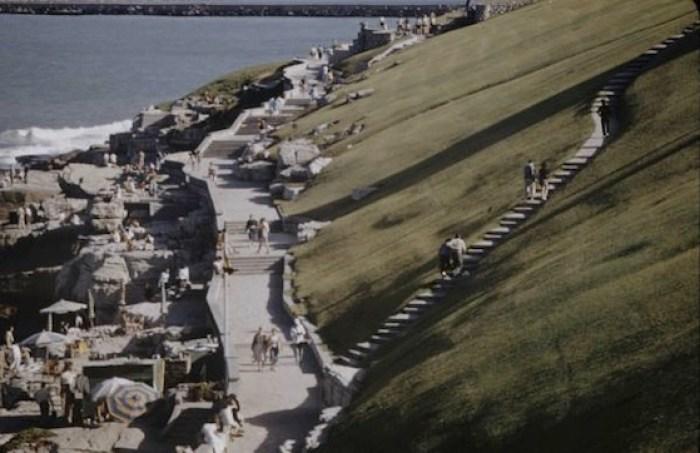 Paseo junto a la costa de Mar del Plata