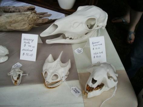 Esqueletos cerámicos, por BeetleAndFlor.com