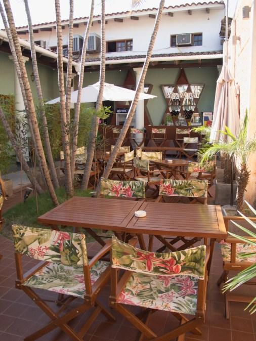 Patio del café República en Santa Cruz. Foto