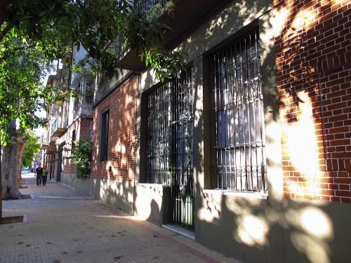 Exterior del barrio Los Andes sobre la calle Rodney. Foto