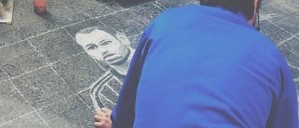 Pintura con tiza de Mascherano en la calle. ©Neuen/Instagram