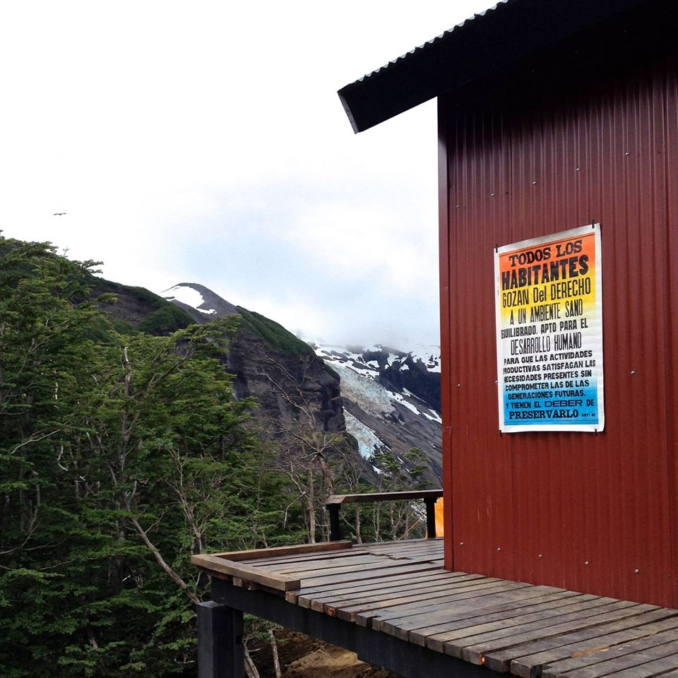 Un póster de Artículo 41 en Ushuaia. Foto