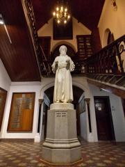 Giving with open hands! Statue of David Sassoon installed in the David Sassoon Library & Reading Room, Kala Ghoda.