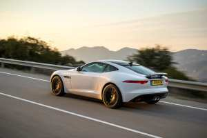 834005_JAG_F-TYPE_V6S_Polaris_White_003