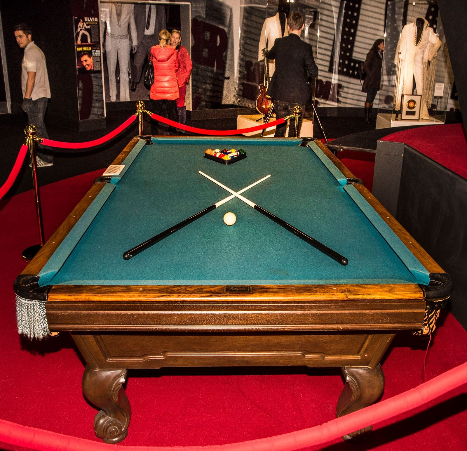 Pool table where Elvis and the Beatles played