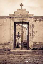 The entrance to the Wied Ghammieq Cemetery at Kalkara.