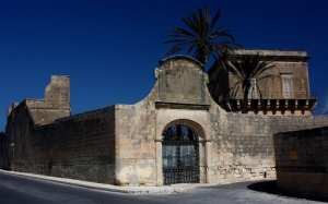 Cumbo Tower in Mosta, still standing today.