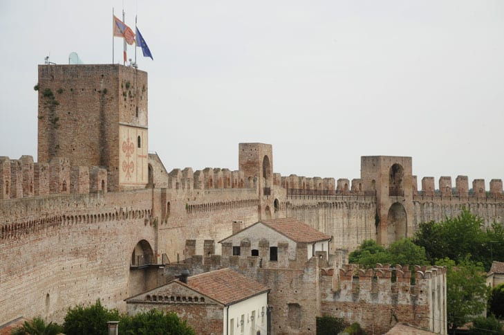 Walls and towers of Citadella