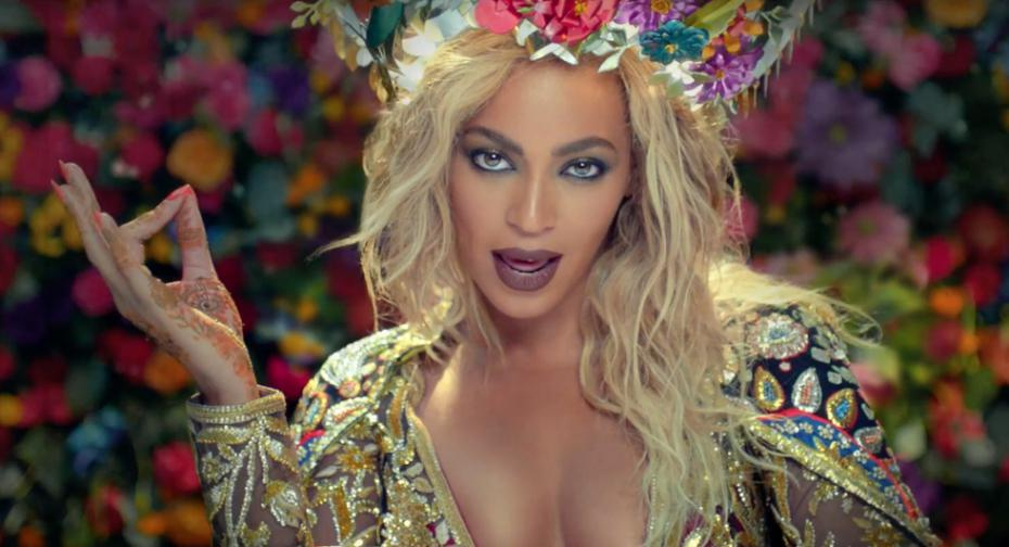 Beyonce in a western outfit in the video