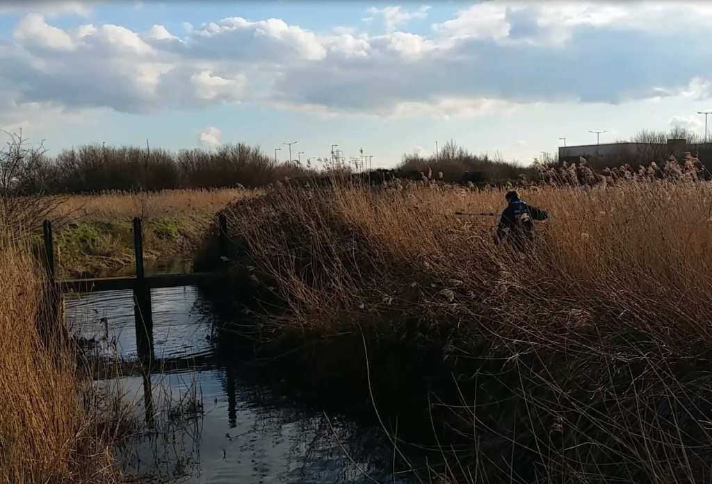 Trevor battling with Bramble to get to Weir Swan