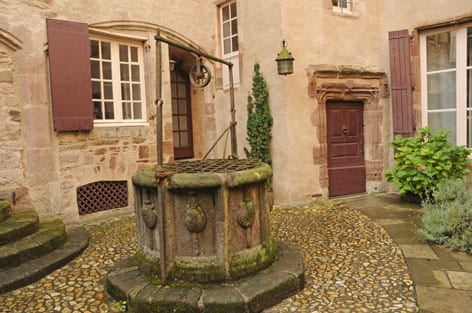 A mansion's courtyard