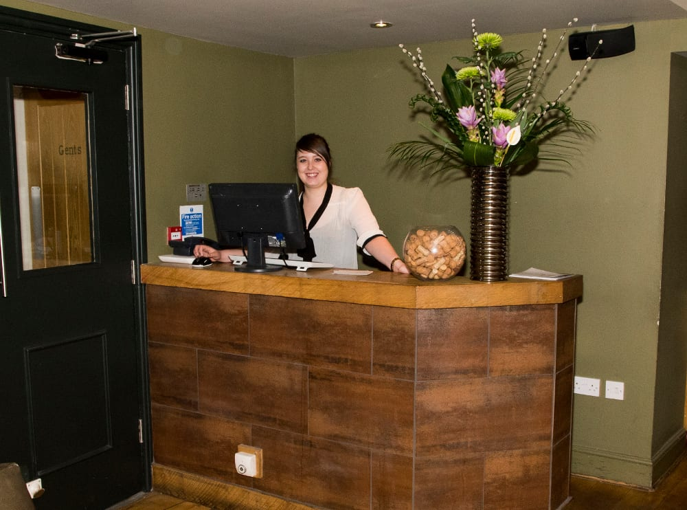The Globe, Warwick, Charlotte Pare, trainee assistant manager,