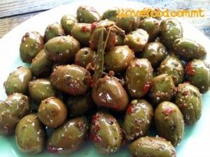 delicious-cured-olives-many-cure-their-own
