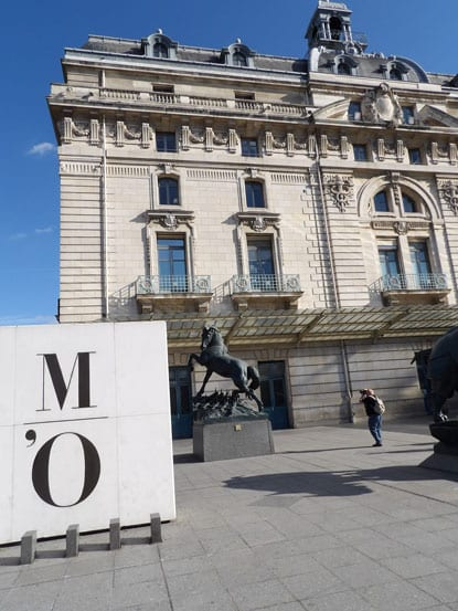 -outside-the-orsay-museum