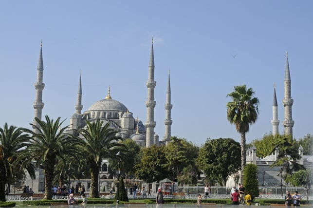 The-Sultan-Ahmet-Mosque-or-The-Blue-Mosque