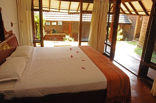 villa-bedroom-and-private-garden