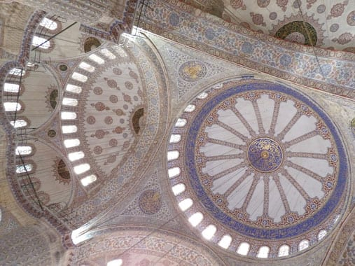 Famous-blue-ceramics-of-Sultan-Ahmet-mosque