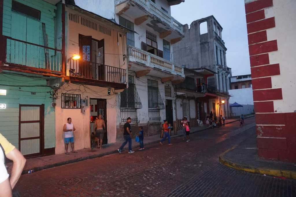 Local-life-in-the-townships-of-Casco-Viejo