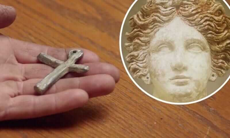 MalDia Did the secret symbol lead to the adoption of the Christian Cross and the Crucifix