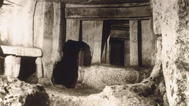 MalDia Were altars in Neolithic temples in Malta used to sacrifice children and adults or animals