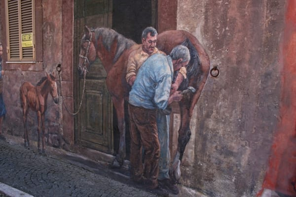 Tinurra mural using a horse ring