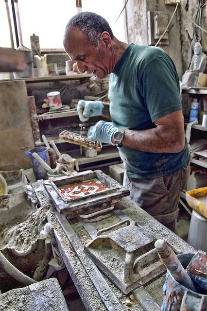 MalDia Making cement tiles a family tradition