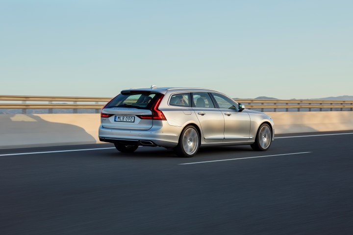 New Volvo V location driving