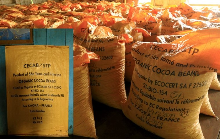 sacks ready for export to France