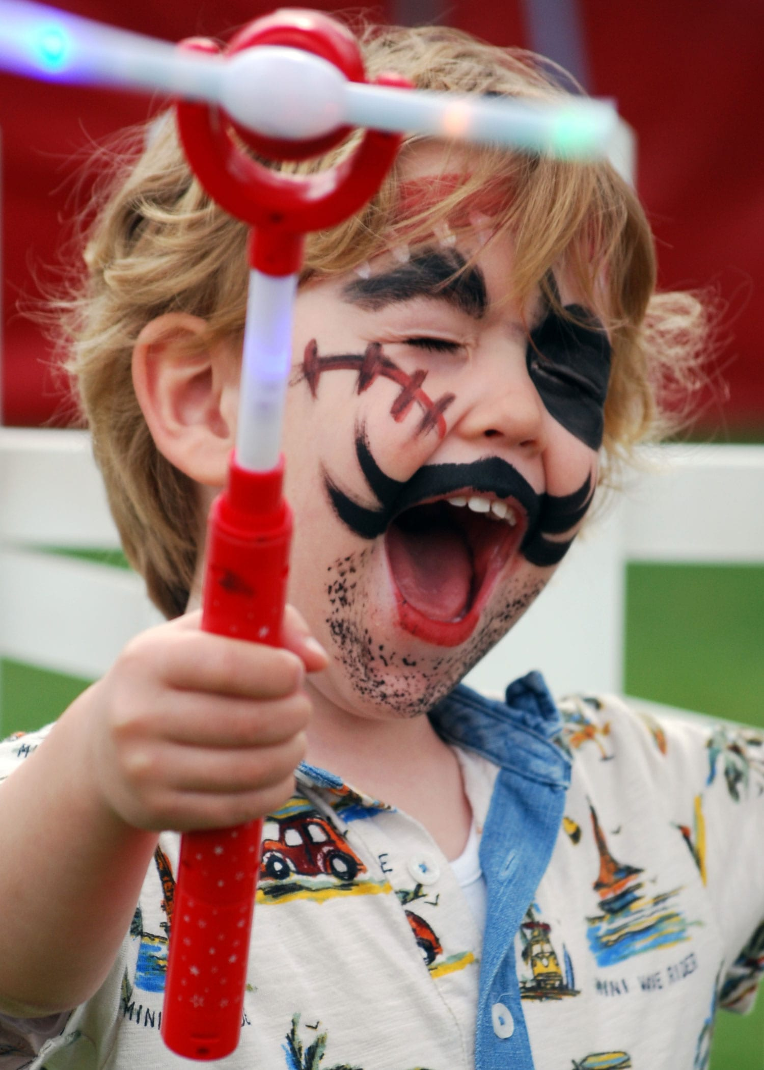 02-Face-painted-pirate-2