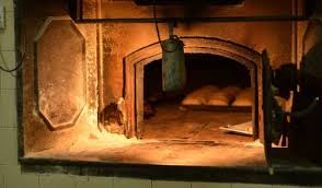 MalDia 04 (11-03-15) traditional bread oven