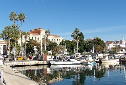 Cannes fishermen harbour