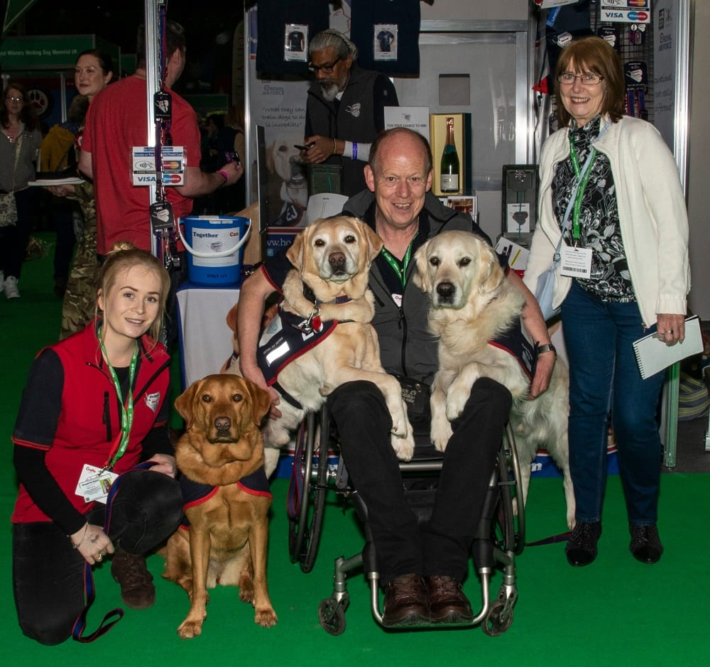 Pic Ann Evans with Hounds for Heroes Allen Parton EJ Rookie and Wren