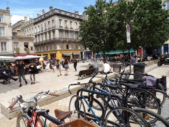 lively square in Bordeaux city centre