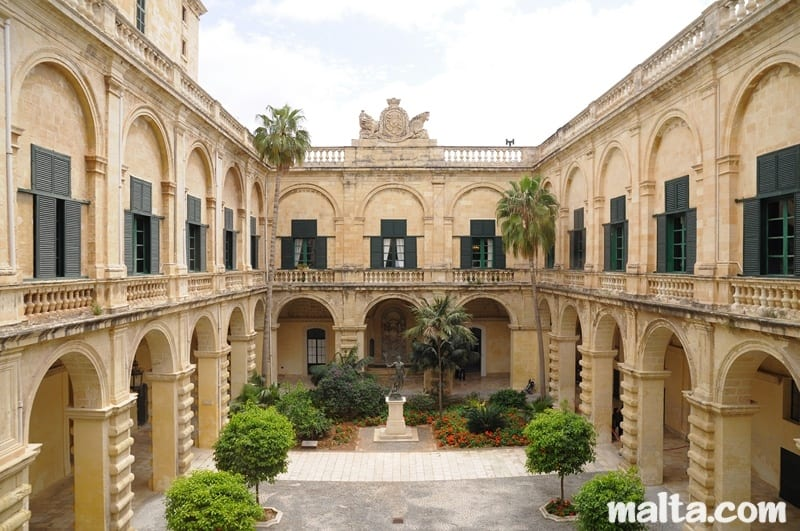 MalDia The inner courtyard of the Grandmasters Palace in Valletta