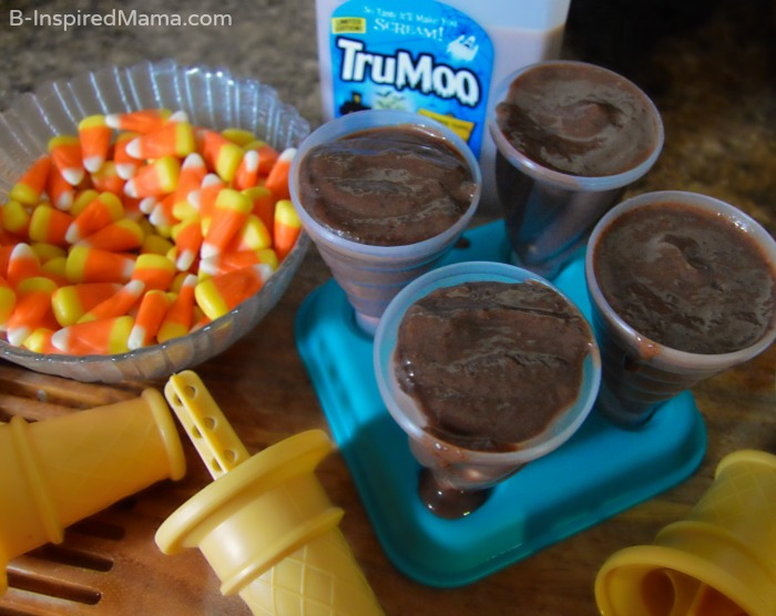 Making Our Simple Double Chocolate Candy Corn Pudding Pops Recipe - [#Sponsored #TruMooTreats] at B-Inspired Mama