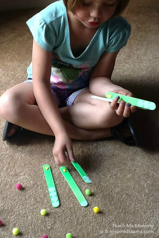 Practicing Counting with a DIY Counting Sticks Busy Bag at B-Inspired Mama