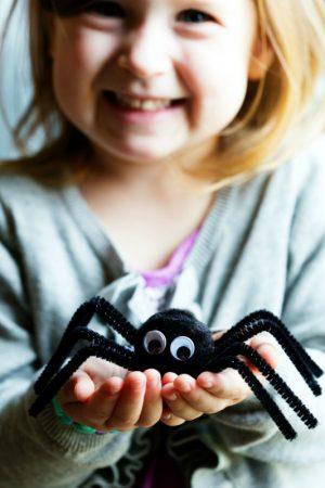 Pom Pom Spiders Halloween Craft