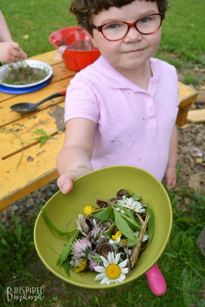 DIY Mud Pie Making Kit + A Free Printable Gift Tag - Priscilla gathered some natural materials for ingredients - at B-Inspired Mama