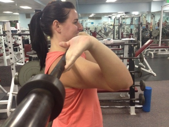 Front squat wrists extended
