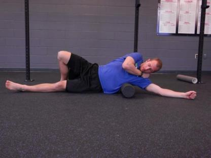 lats foam rolling massage