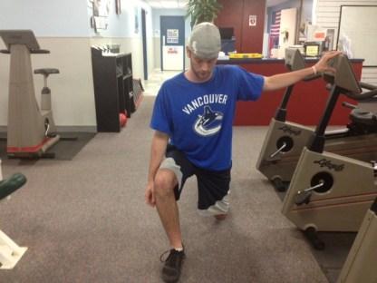 Lunge hip retroversion modification