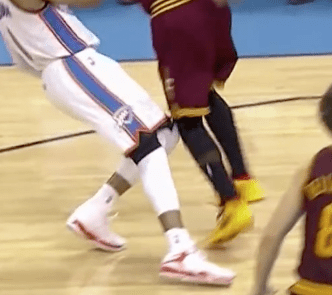 Kyrie Knee Injury 6