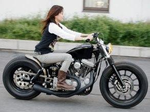 Credit: http://2.bp.blogspot.com/-o9xaoDd3fGs/UIFqGTc1ePI/AAAAAAAACtU/q8F9wo0w7D8/s1600/0812_hbkp_02_zcustom_harley_motorcyclesharley_girl.jpg