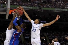 Anthony Davis - au contre lors de la finale NCAA 2012 Kentucky-Kansas (c) Getty