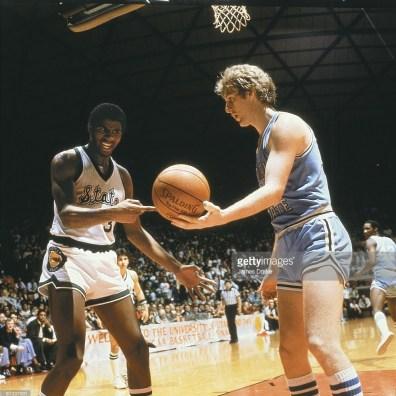 Magic Johnson vs Larry Bird en finale NCAA 1979 (c) Getty